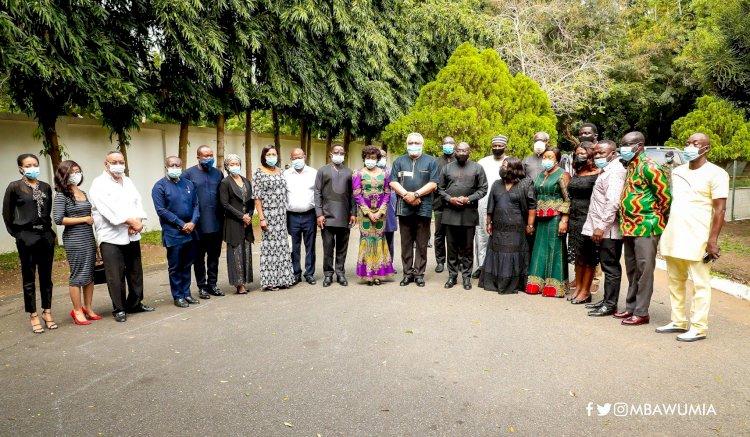 Veep Bawumia Consoles the Rawlings' Family