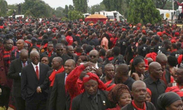 Police Investigates Breach Of Covid-19 Protocols At Sir John's Funeral